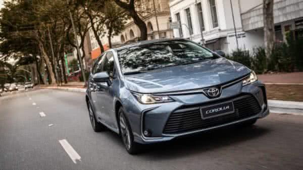 Toyota-Corolla-8-600x338 Toyota Corolla 2022: Ficha Técnica, Preço, Fotos, Consumo